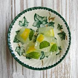 Mint and Lemon Ice Cubes