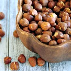 How To Peel Hazelnuts