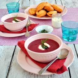 Beetroot soup with dill pesto