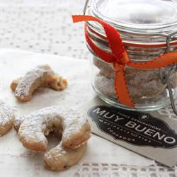Cuernitos de Nuez (Butter Pecan Cookies)