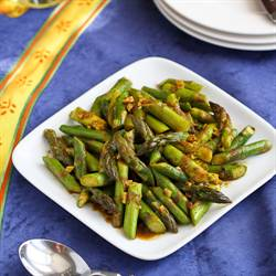 5-Ingredient Asparagus with Curry Sauce