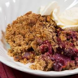 Cranberry, pear and walnut crumble