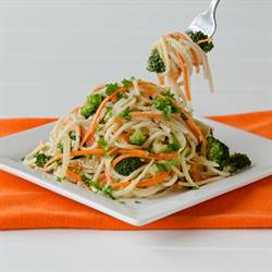 Pasta with Vegetables, Garlic, and Sesame