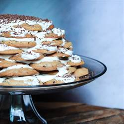 Chocolate Chip Cookie Cake (1)