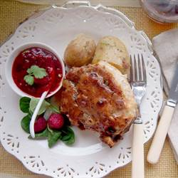 Pork chops with raspberry sauce