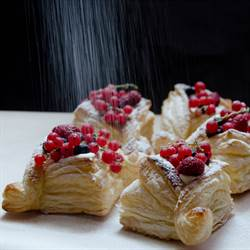 http://pastry-workshop.com/puff-pastry-tar