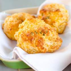 Cheddar Bay Biscuits (1)