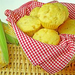 Easy Whole Kernel Cornbread Muffins