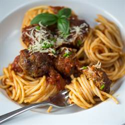Spaghetti and Meatballs (7)