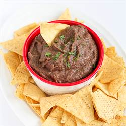 5-Minute Black Bean Dip