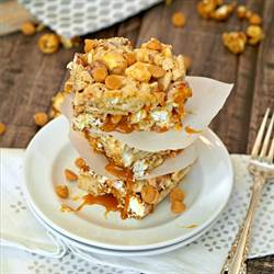 Salted Caramel Apple Popcorn Bars