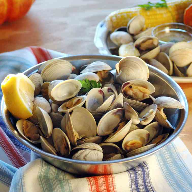 My Hubby's Beer-Steamed Littleneck Clams