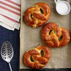 Spinach Feta Stuffed Pretzels
