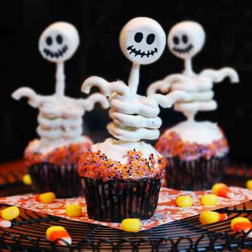 Decorating Cupcakes for Halloween