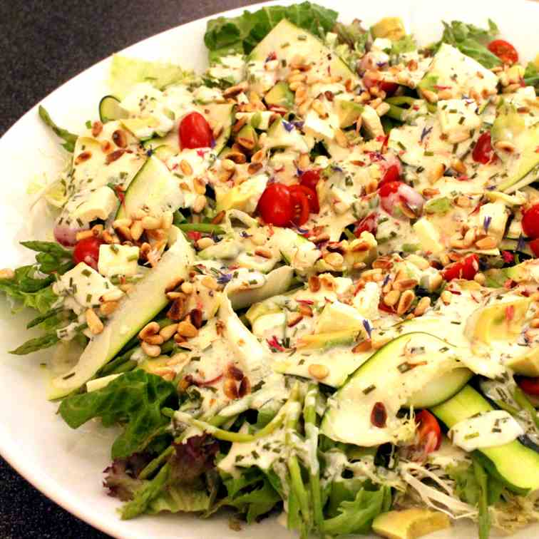 Summer Salad with lemony Yogurt Dressing