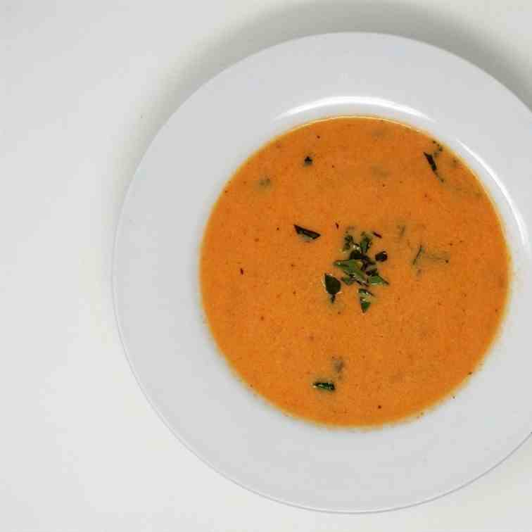 Fresh Tomato and Basil Soup