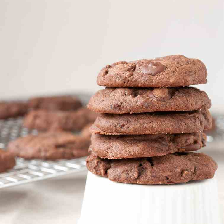 Chocolate Gingerbread Cookies