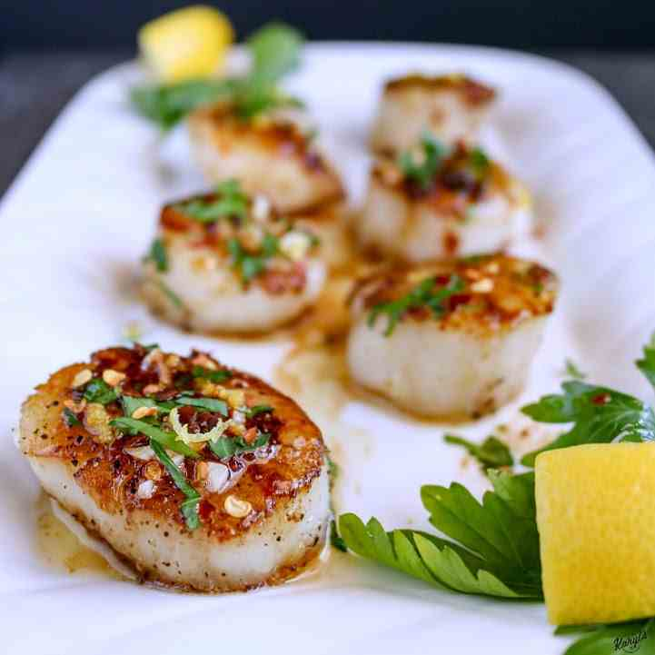 Garlic Lemon Butter Scallops