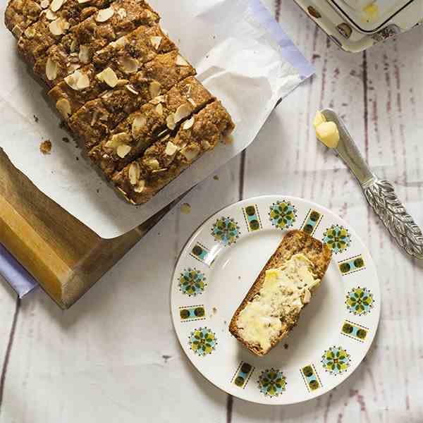 Banana Bread with Crunchy Topping
