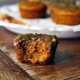 Pumpkin Mini Cakes with Cinnamon Streusel