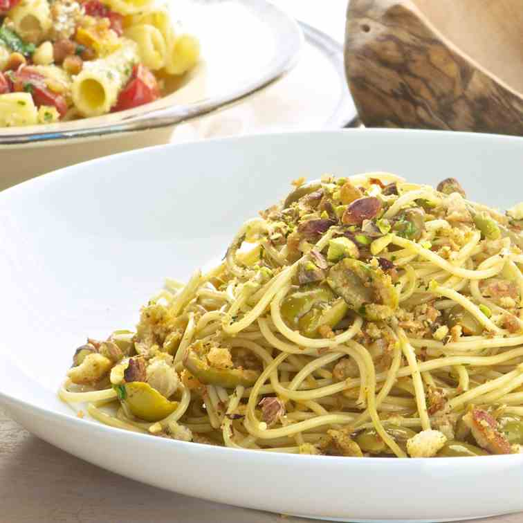 Pasta with olives and pistachios