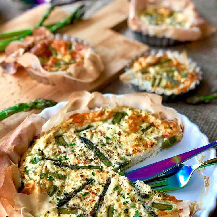 Halloumi and asparagus quiche in filo base