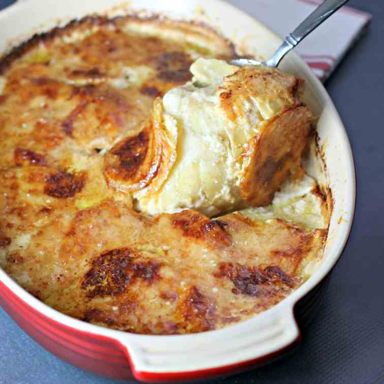 Dreamy Cheesy Potatoes