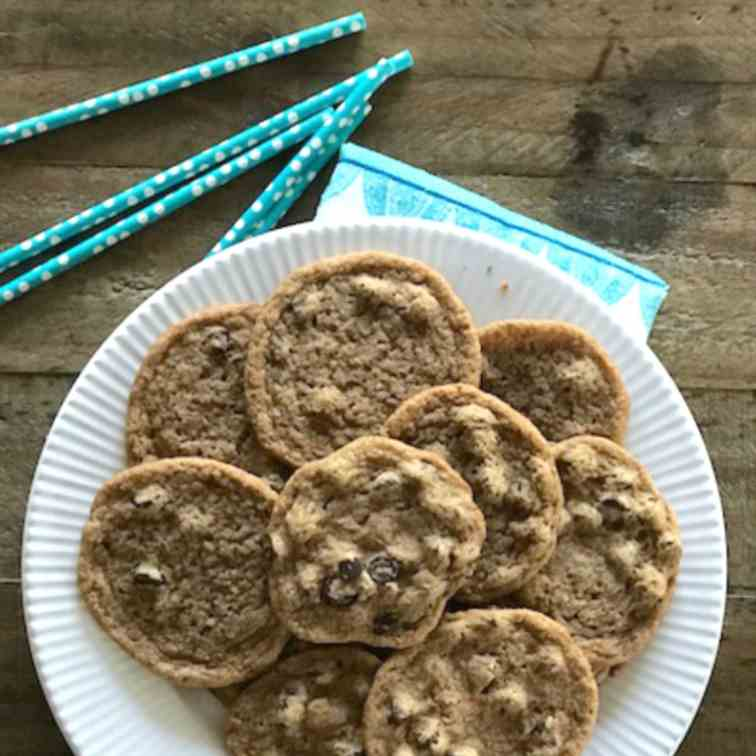 One Bowl Vegan Chewy Chocolate Chip Cookie
