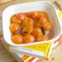 roasted apricots in caramel