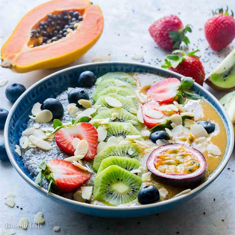 Chia Pudding With Mango Smoothie