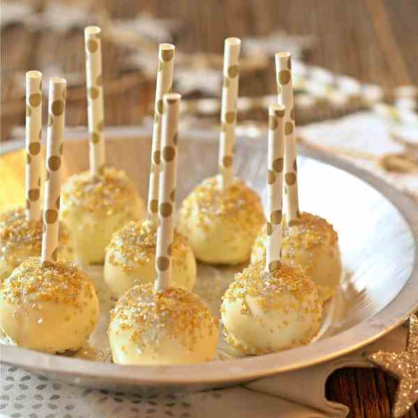 Gold Glitter (Lemon) Cake Pops