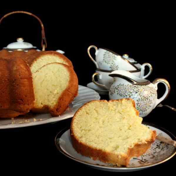 Whipping Cream Cake with Lemon