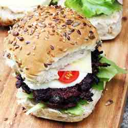 Beetroot & black bean burger