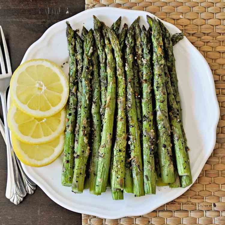 Easy Lemon Pepper Roasted Asparagus
