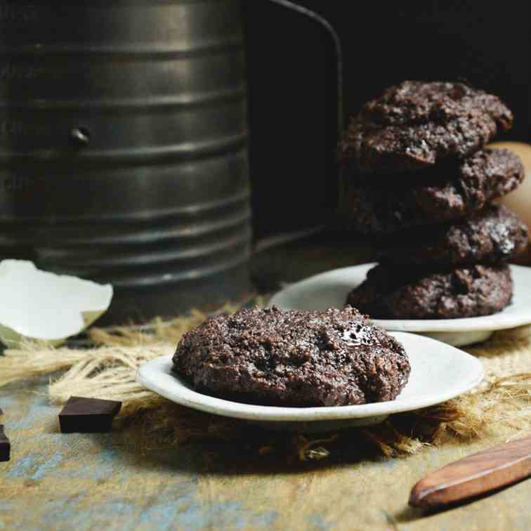 Low-Carb Double Chocolate Chip Cookies