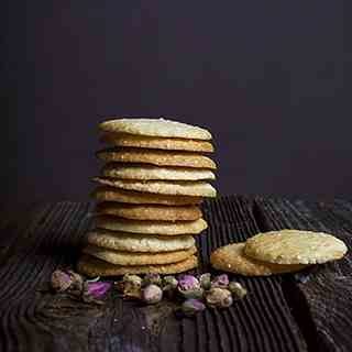 Moroccan cookies with sesame seeds