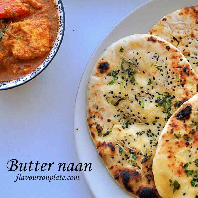 Butter naan on tawa