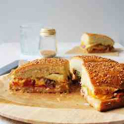 Maxi sandwich stuffed with vegetables