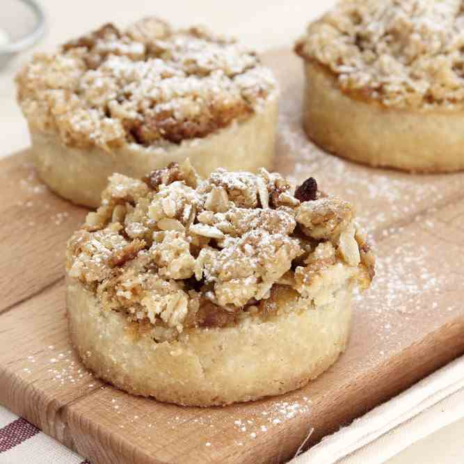 Mini Almond Apple Pie