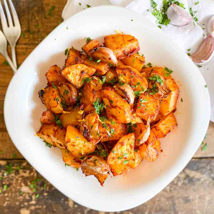Smoky Spanish Potatoes with Garlic - Lemon