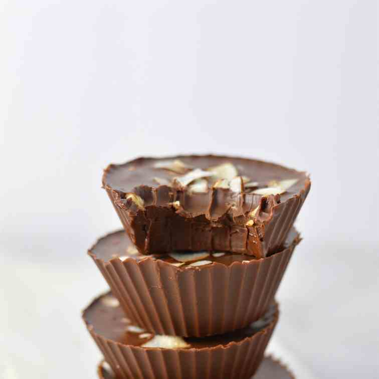 Chocolate Peanut Butter Coconut Cups