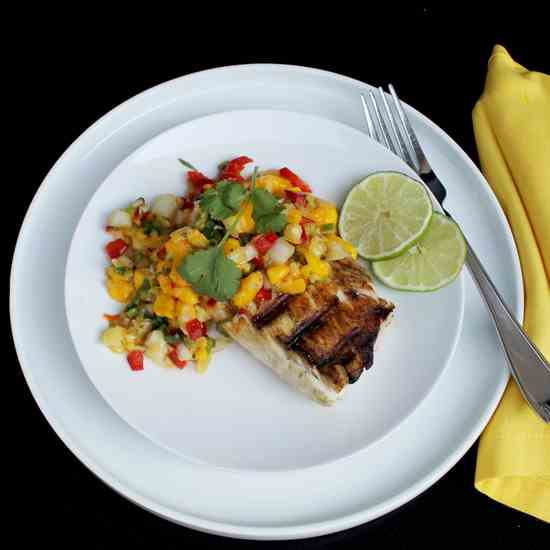 Grilled Mahi Mahi with Mango Salsa