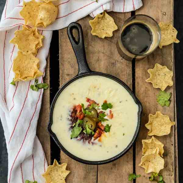 Restaurant Style White Queso