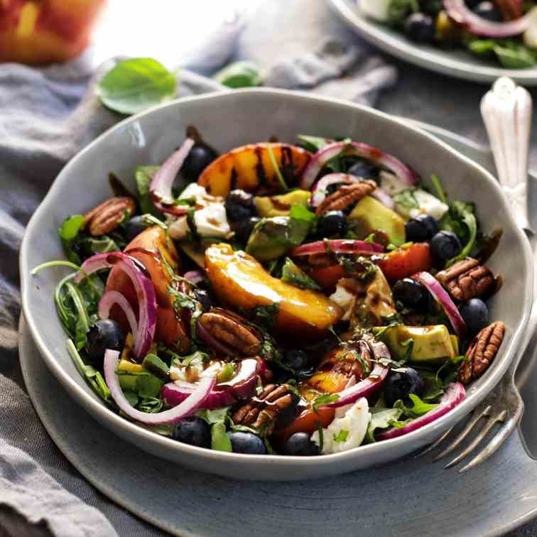 Grilled Peach Salad with Burrata