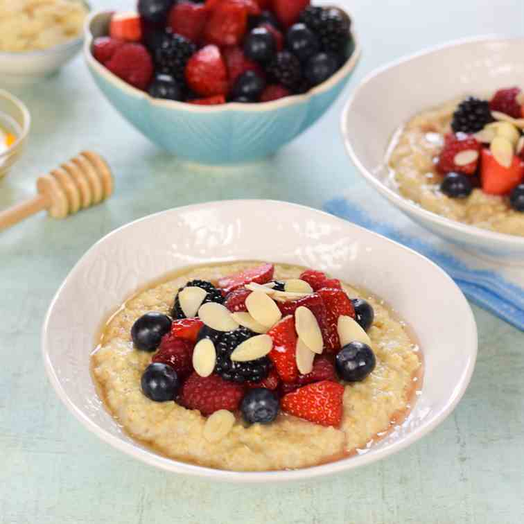 Simple Porridge with Summer Berries