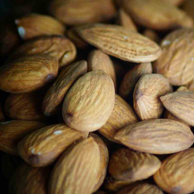Eat Almonds To Lose Abdominal Fat!