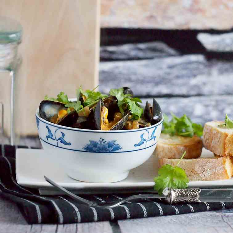 Quick and easy red curry mussels