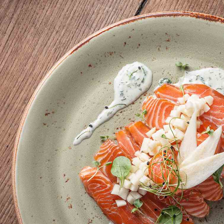 Marinated Salmon with Pear and Yogurt Sauc