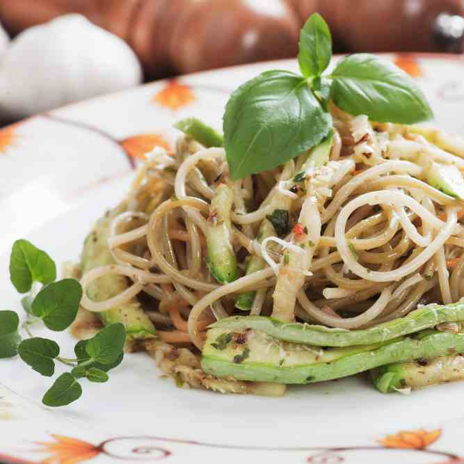 Simple Avocado Chow Mein Recipe