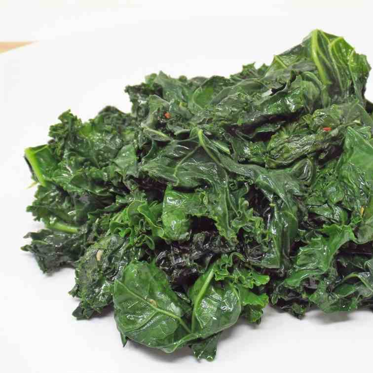 Spicy Sauteed Kale with Garlic